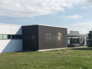 Backbox-Filiale-Brunn-1